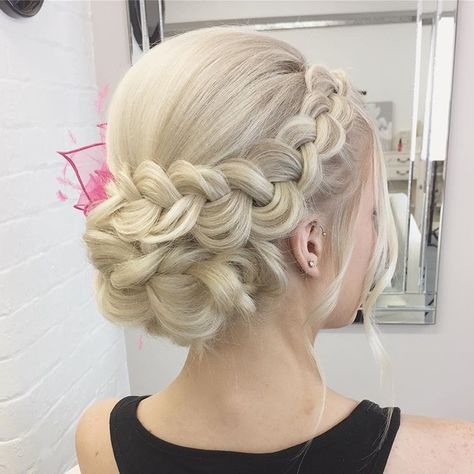 A day at the races for the lovely @hannalouisax #SweetHearts #braids #updo #mode…