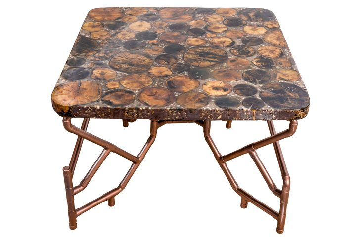 Modern table Petrified cherry tree - cherry tree wood, gravel and resin and copper legs for a beautiful and unique table Masa moderna din lemn de cires, pietris si rasina cu picioare de cupru