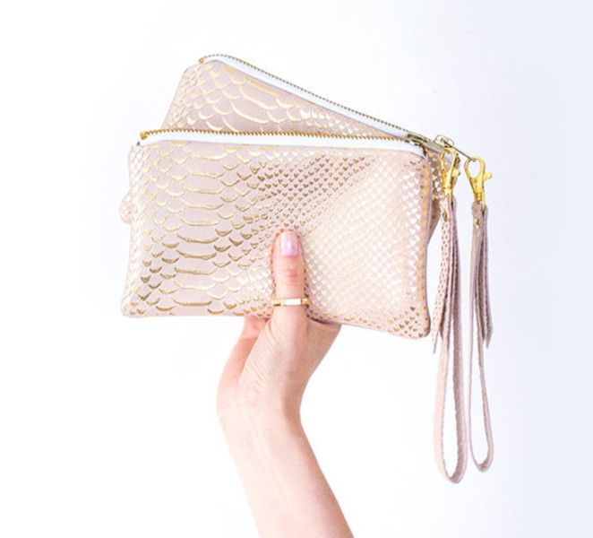 Brauttaschen - Roségold Leder Clutch, Nude Gold Wristlet Tasche - ein Designerstück von gmaloudesigns bei DaWanda