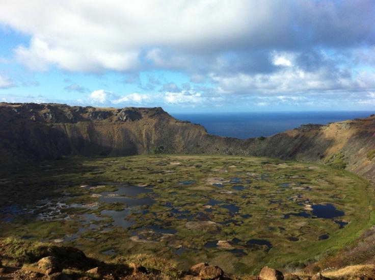 Volcán Rano Kau en Rapa Nui (Isla de Pascua). Foto de Gonzalo Argandoña.