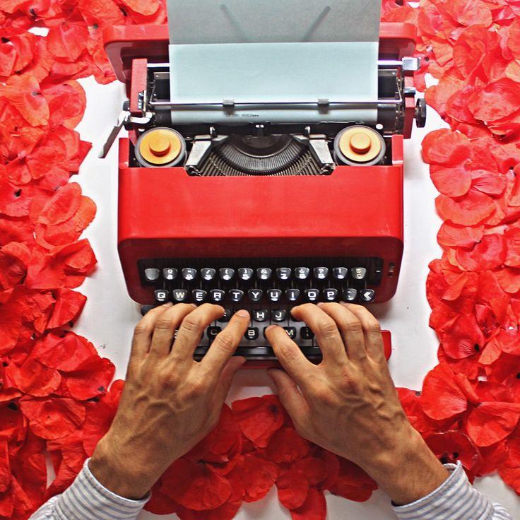 Happy World Environmental Day ✌🏻🐝🦎🍀#worldenvironmentday #typewriter #slowlife #world #green #relax #writer #sostenible #home #california #valentine #etsy