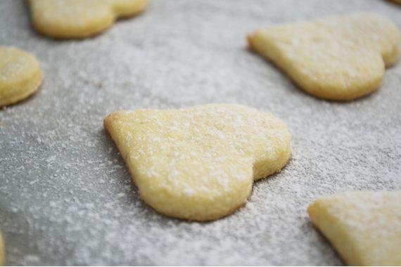 Diese Butterguetzli werden explizit mit der leichteren Variante hergestellt. Mit einer Herzform ausgestochen werden sie besonders schön.