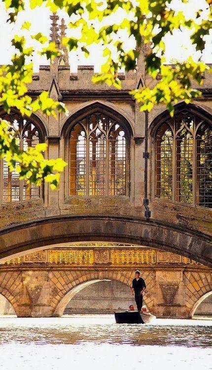 St Johns Bridge of Sighs Punting Summer, Cambridge University, England