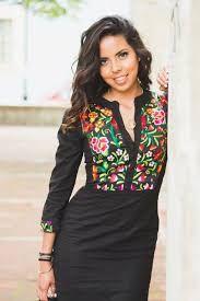 Resultado de imagem para vestidos bordados de oaxaca