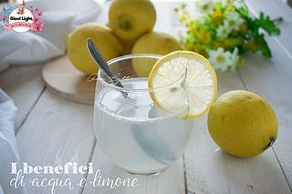 I benefici di acqua e limone, come prepararlo e quando berlo! Ciao a tutti! Oramai in rete sono stati postati centinaia di articoli come questo, ma io non lo avevo ancora fatto e volevo parlarvene un