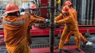 Image copyright                  AFP                                                                          Image caption                                      ¿Un nuevo acercamiento?: China ganó contratos significativos para explotar petróleo en el Golfo de México.                                Durante más de 15 años México y China mantuvieron una rela