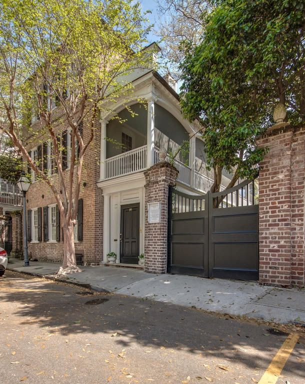 34 best bardas images on pinterest brick fence door for Charleston dog house