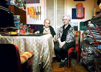 The amazing Herb & Dorothy Vogel in their Manhattan apartment. Together they amassed America's most priceless collection of conceptual & minimalist art, much of which they donated to the National Gallery in Washington DC.