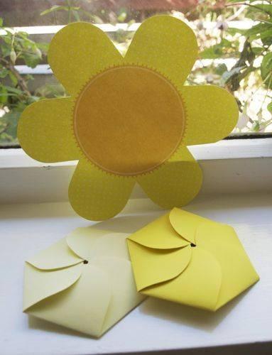 Flower birthday garden party invitations DIY