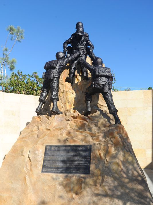 New statue pays homage to bond between corpsmen, Marines