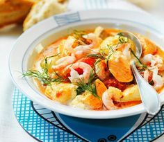 Kom in i rätt höststämning med dessa 11 goda soppor. Soppa är gott, lätt att laga och oftast snällt mot plånboken.