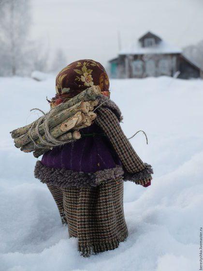"""Народные куклы ручной работы. Ярмарка Мастеров - ручная работа. Купить авторская кукла """"Зимой в деревне.."""". Handmade. Зима"""