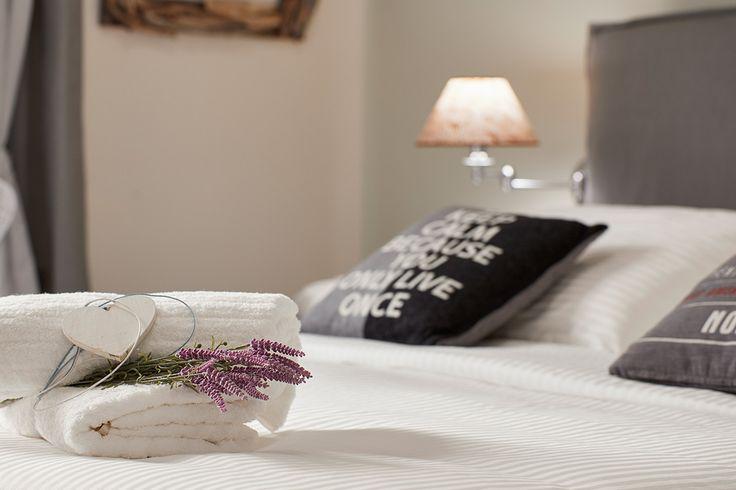 Βρείτε το δωμάτιο των καλοκαιρινών σας διακοπών στην πόλη του Ξυλόκαστρου! Διαβάστε περισσότερα εδώ: http://goo.gl/Rr4CHd  The summer accommodation of your choice at the town of Xylokastro in Peloponnese! Read more at: http://goo.gl/Rr4CHd  #xylokastro #Corinth #Korinthos #GardensGalleryHotel #hotel #summer #greece #offer