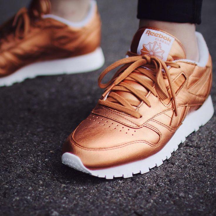 Reebok - sneakers en cuir dorées à souhait
