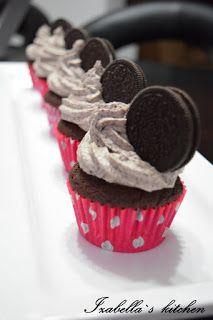 Izabella`s kitchen: Deserturi Oreo cupcakes-reteta pas cu pas ilustrat in imagini