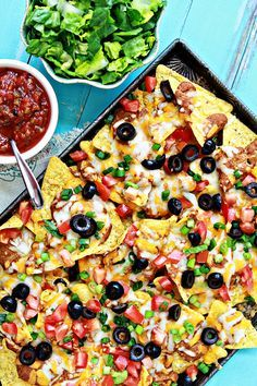 Ultimate Easy Nachos Recipe for the Super Bowl