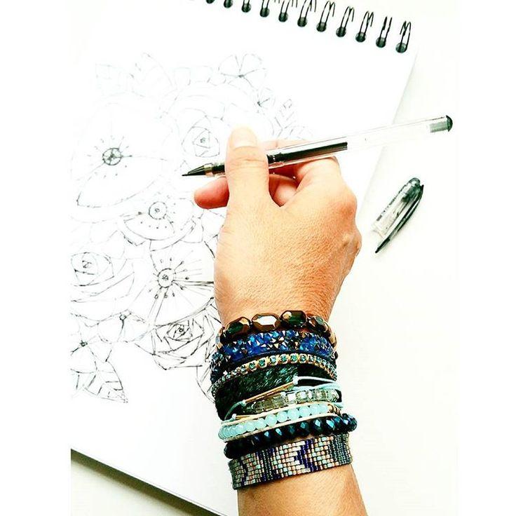 Trouvez le bracelet multi-tour de votre choix parmi une large sélection. Bracelets multitours et multirangs pour femme. Il s'ouvre et se ferme très facilement grâce à son fermoir.