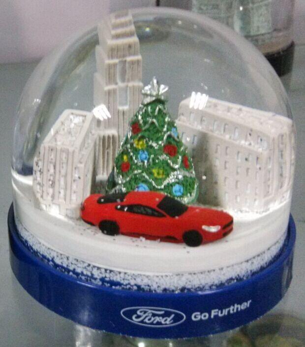 kerst sneeuwbol met sneeuwpop chrismas boom stad gebouw en auto beeldje-afbeelding-antieke imitatie ambachten-product-ID:60291115402-dutch.alibaba.com