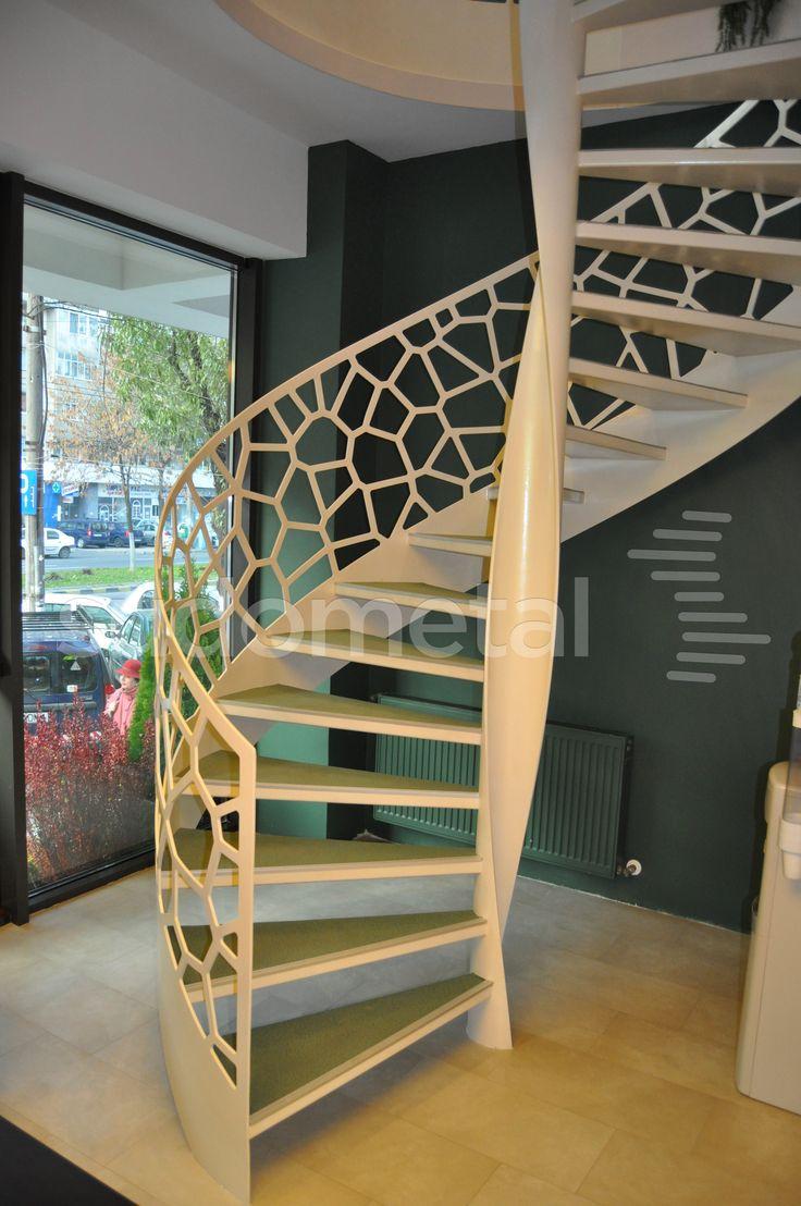 Scara spirala, model Voronoi.
