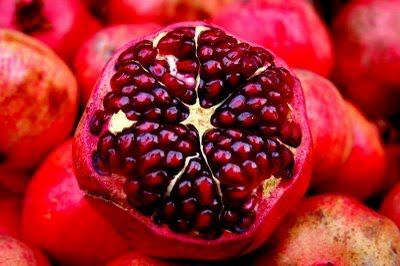 Health Benefits of Pomegranate  Something to look forward to as the summer is ending !