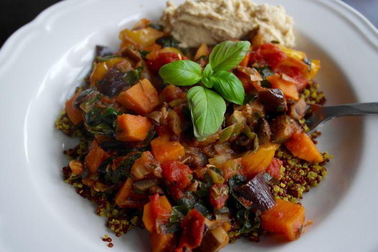 Søtpotet, aubergine og soppgryte med quinoa