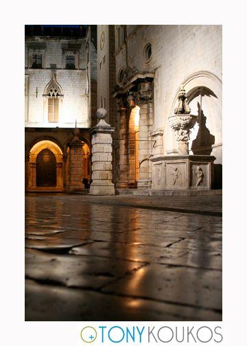 fountain, reflections, stone, masonry, columns, arches, night, dubrovnik, croatia, europe, travel, photography, art, Tony koukos, places