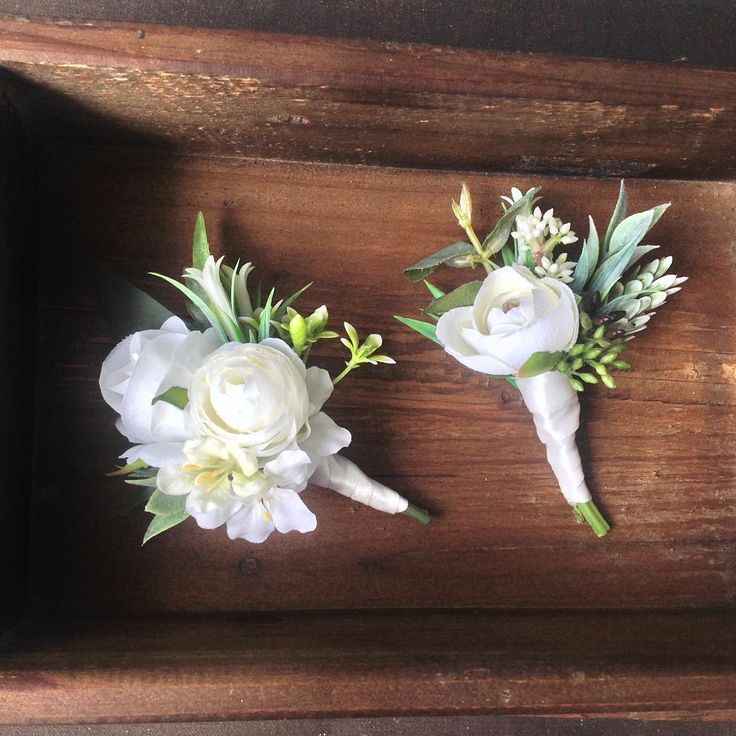 "amanda smith on Instagram: ""Groom and mother of the bride combo #bloominglovelybouquets #buttonhole #pincorsage #fauxflowers #artificialflowers #groom…"""