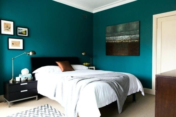 Chambre Meuble Blanc Peinture Bleu Paon Dans Cette Chambre A