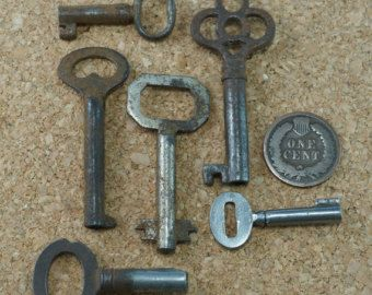 SKELETON  KEYS - antique keys  - vintage  keys - victorian keys - old key -  rusty keys - Partsforyou Etsy  No.0031