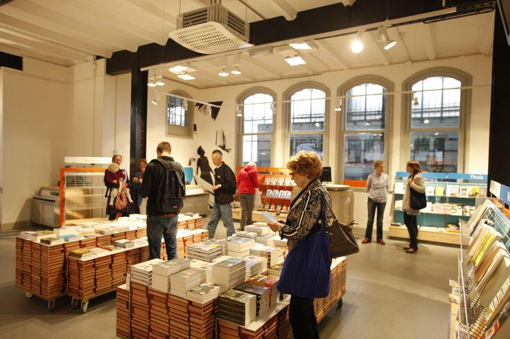De Stationsbibliotheek in Haarlem #Stationsbieb #TrainStationLibrary