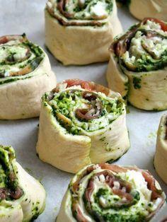 Skikkelig gode pestosnurrer med skinke og ost
