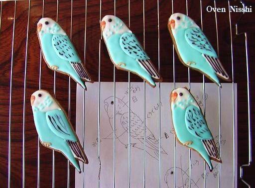 Birds! parakeet cookies  永遠のテーマにえんえんと取り組んでいます。えーんえーん。 ・・・て泣きながら。 (だまれ >ワタシ)ホシノ丹フラ山春恋300g型下半分ちょい上がったところでコールドスタート(100度から180度設定20分→230度10分)Gエキスでバゲットも焼いたけどアカンかった~(ノ...
