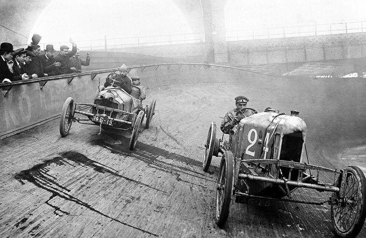 Course automobile au Vélodrome d'Hiver, 1909