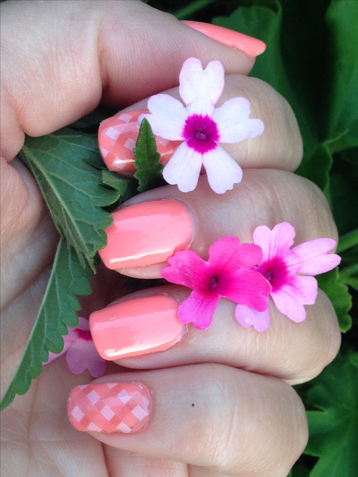 Summer days drifting away... #jamberrynails #picnicparty # trushine