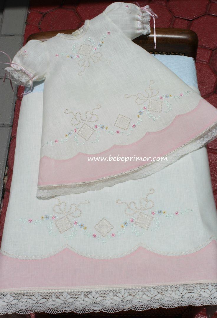 Rosalí - Bebe Primor fine baby clothes by Elizabeth Vargas                                                                                                                                                                                 Más
