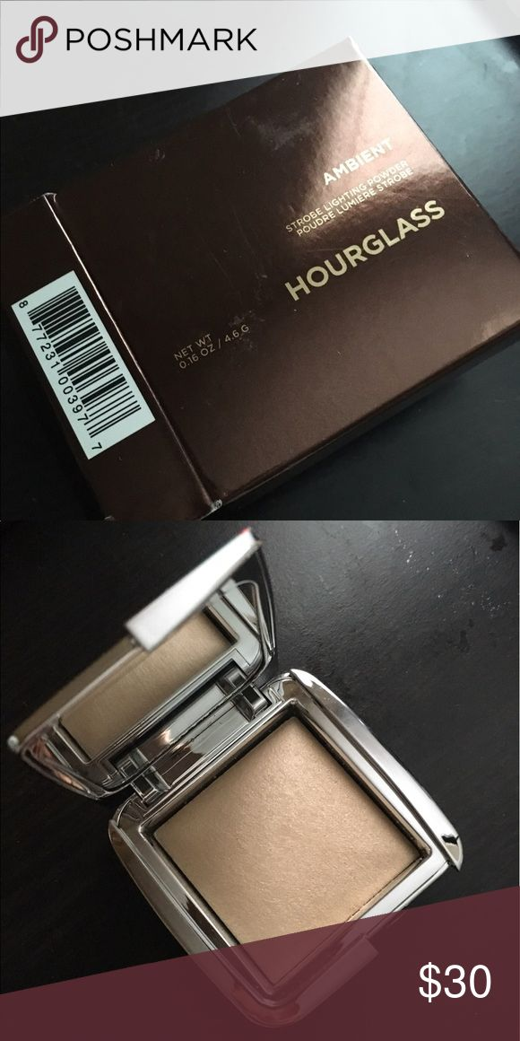 Hourglass strobe lighting powder in ambient Never used. Comes with box. Color listed above. Sephora Makeup Face Powder