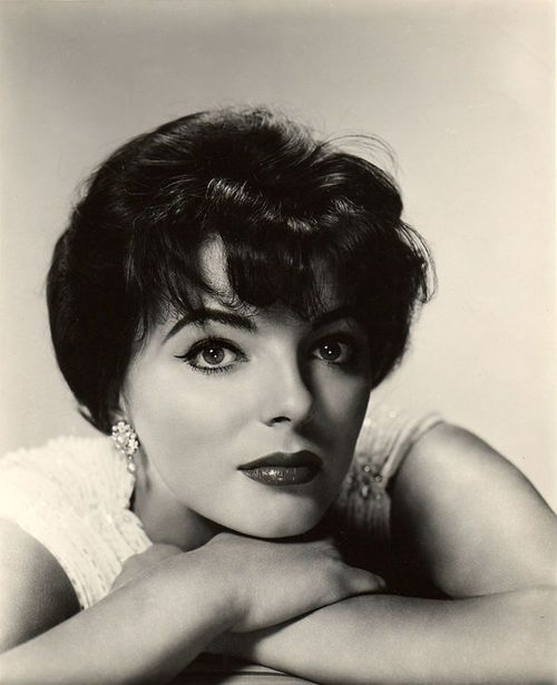 1000+ Ideas About Joan Collins On Pinterest
