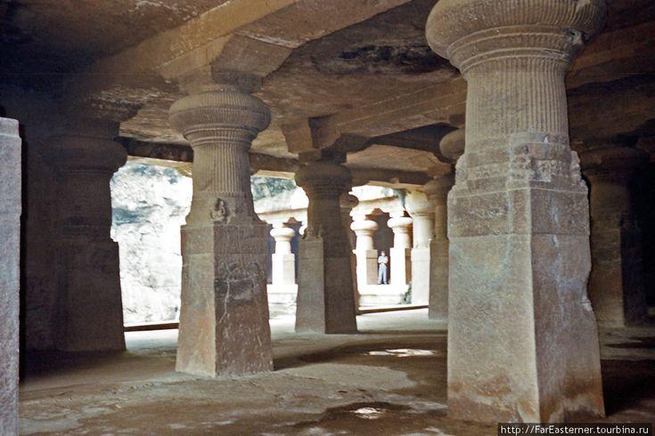 Пещерный храм на острове Элефанта Мумбаи, Индия