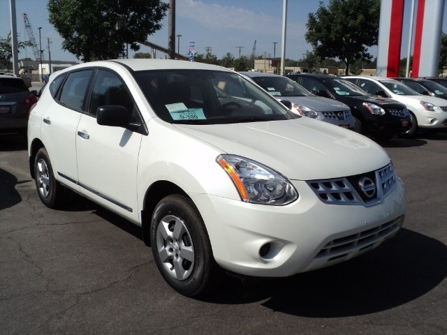 2012 Nissan Rogue - This is my car, and I LOVE IT! The Pearl White is gorgeous.
