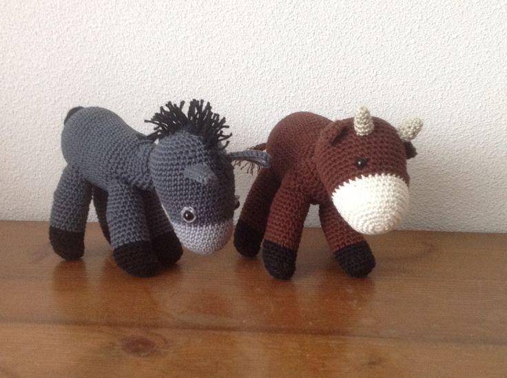 De ezel en de os. The donkey and the ox