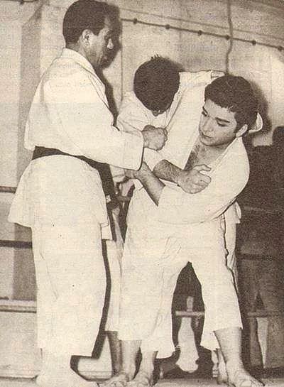 Zeki Müren`in karatecilik günlerinden.