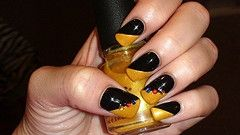 Pittsburgh Steeler Theme Wedding Nails. Show Your Black and Gold Spirit.  Pittsburgh Bride Talk Wedding Forum