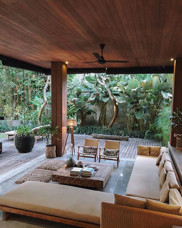 Natural Tones Wooden Elements And The Greenery To Go With Our Kind Of Paradise Escape To Canggu Bali Wit Bali Style Home Bali House Tropical House Design