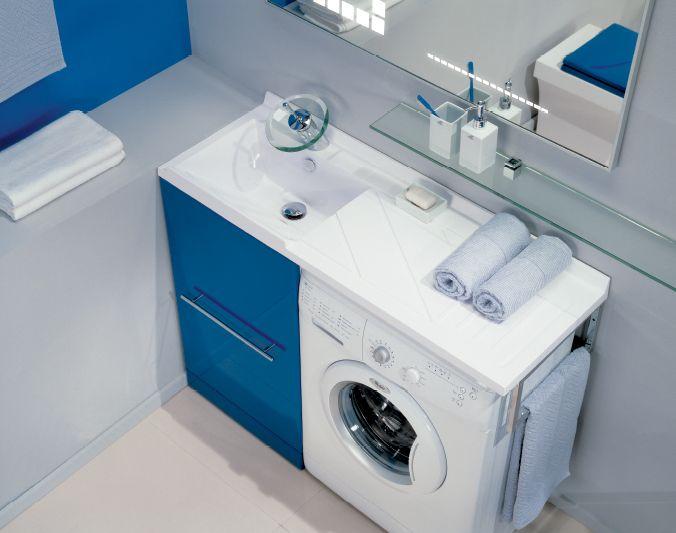 Установка стиральной машины под раковину. Этот хитрый ход позволяет полностью сохранить функционал обоих вещей и значительно сэкономить место.