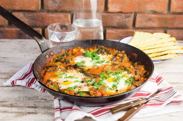 Shakshuka met aubergine en spinazie
