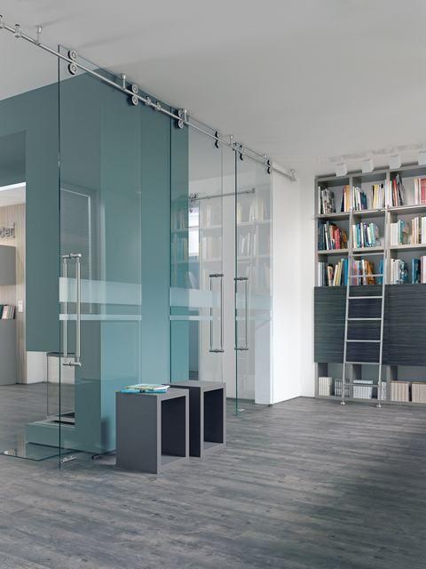 Glazen schuifdeur   Luxe schuifsysteem met rails   Inspiratie werkomgeving