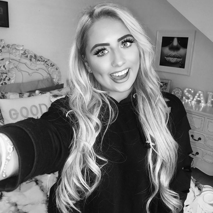 """66.9k Likes, 1,047 Comments - Saffronbarker (@saffronbarker) on Instagram: """"Sooo excited for this weekend!! Seeing @wearethevamps Saturday & attending Hoopsaid Sunday! Who…"""""""