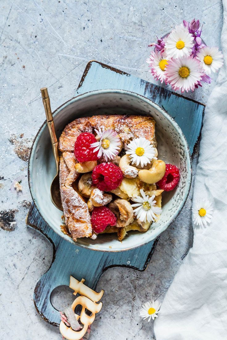 Make breakfast or brunch fun with this baked brioche French toast with caramelized banana and cashews. Recipesfromapantry.com