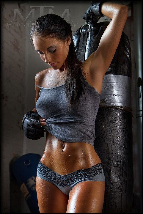 Because not all boxers are dogs... #Boxing #Fitness #Blonde http://goldblood.biz/blonde-49/