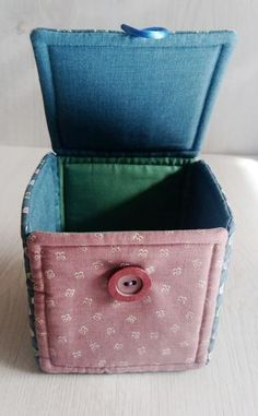 Hooola Hoy toca tutorial: estas cajas de tela tan monas, para guardar pequeños tesoros.